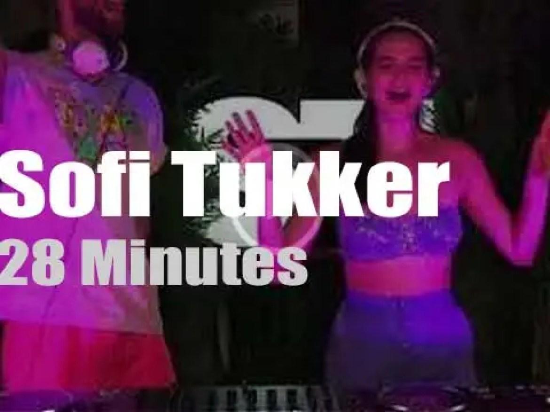 On web TV today, Sofi Tukker make you dance in lockdown (2020)