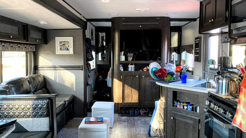 Episode 155 | RVs for Full-Time Living, Dealing with Trash