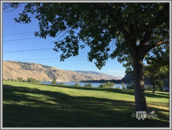 Columbia River. View From the Campsite.