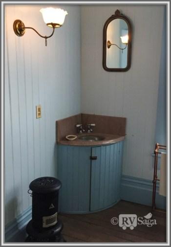 Original Vanity in Master Bath