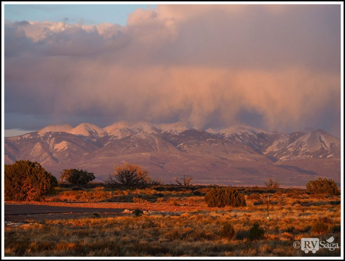 Snowing-on-La-Sal-Mountains-at-Sunset