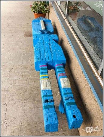 A Figure-Shaped Bench