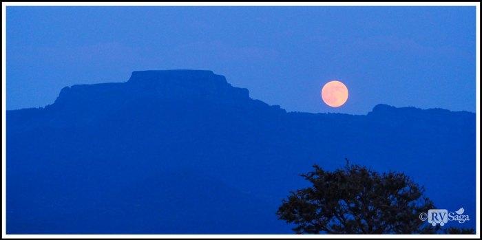 Moonrise-Above-Fisher's-Peak-at-Trinidad