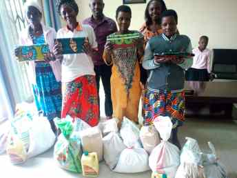 mothers receive aid