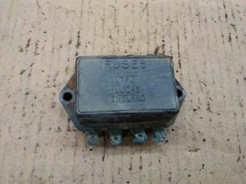 small resolution of mg mgb lucas 7fj fuse box 7 71 37552 triumph mg jaguar