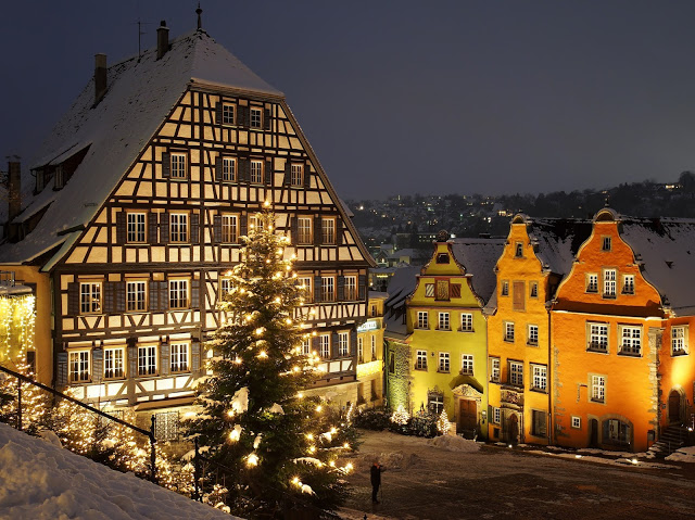 دينكلسبول بلدة ألمانية تقع في آنسباخ