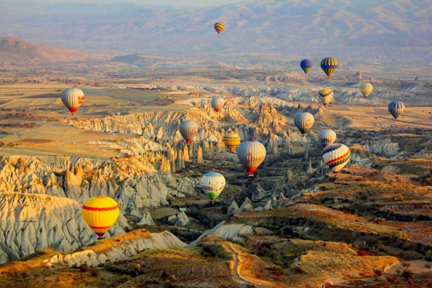 منطاد الهواء الساخن في كابادوكيا، تركيا