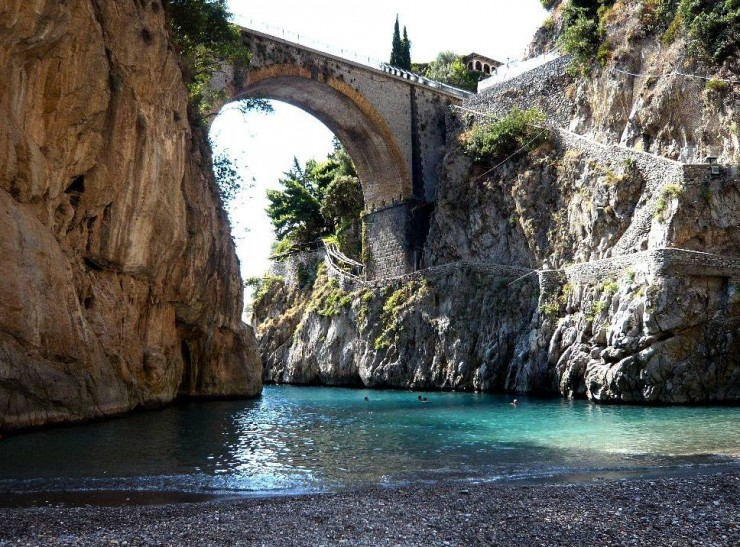 عجائب طبيعية في إيطاليا - خليج فيوردو دي فوروري