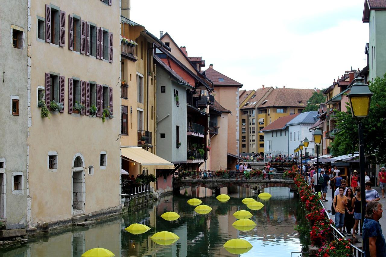 7 مدن ذات قنوات مائية جميلة لكنها لا تسمى البندقية