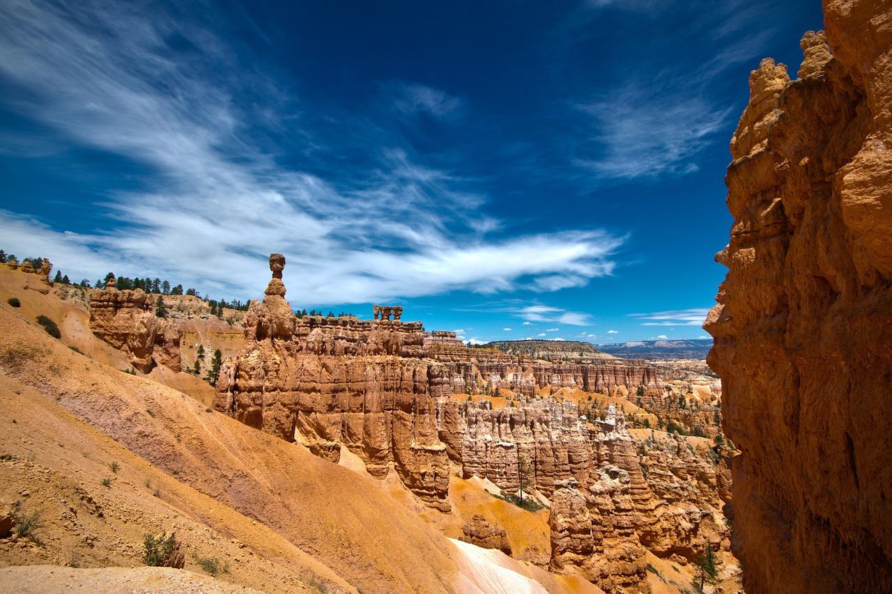 أفضل الأماكن المناسبة للزيارة في ولاية يوتا ، أمريكا