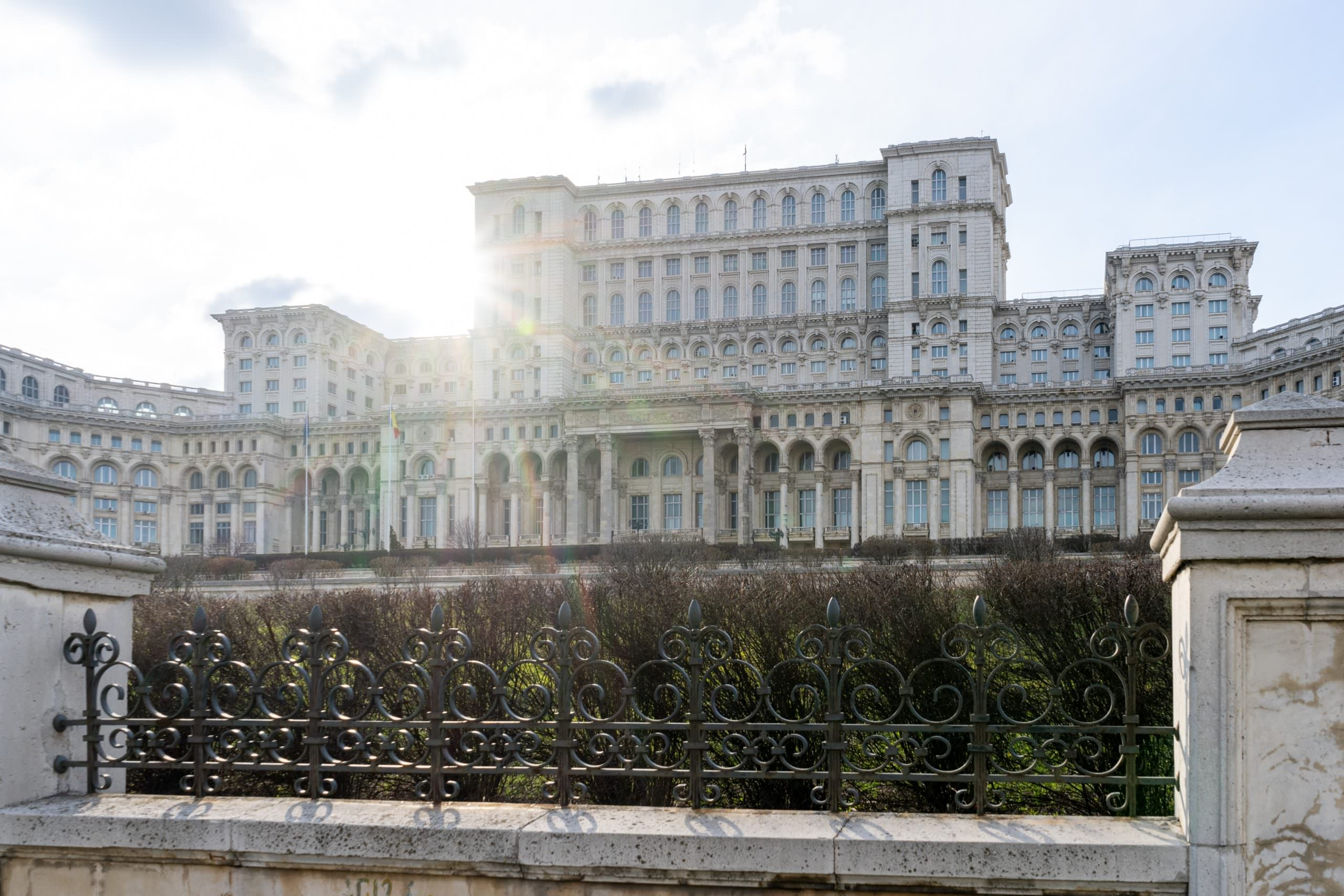 6 من أجمل مناطق الجذب السياحي في بوخارست ، رومانيا