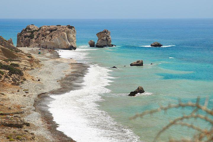 أفضل شواطئ قبرص وأكثرها جاذبية وسحراً