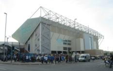 Fans arrive at Elland Road