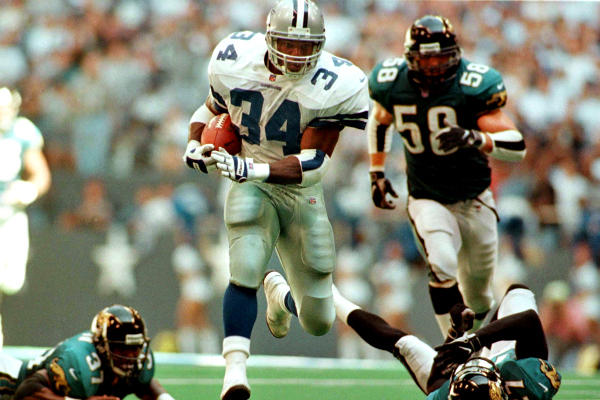 Herschel Walker breaks loose on his game-winning 64-yard touchdown play against the Jaguars in 1997.