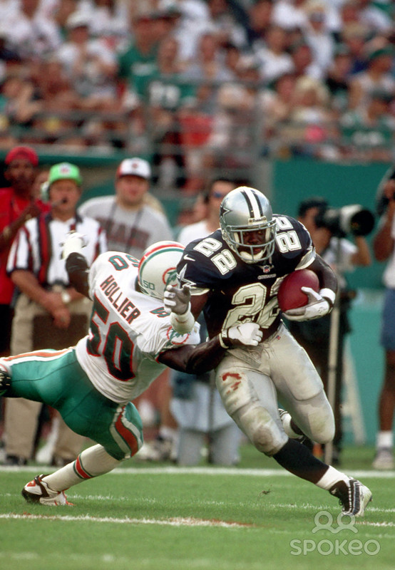 In his first game back in the Sunshine State since leaving the University of Florida in 1990, Emmitt Smith tallied 116 all-purpose yards against the Dolphins. His 10-yard scoring reception from Troy Aikman in the fourth-quarter provided the games final points.