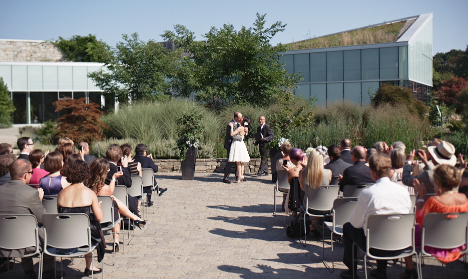 Toronto Wedding Photographers Toronto Botanical Gardens