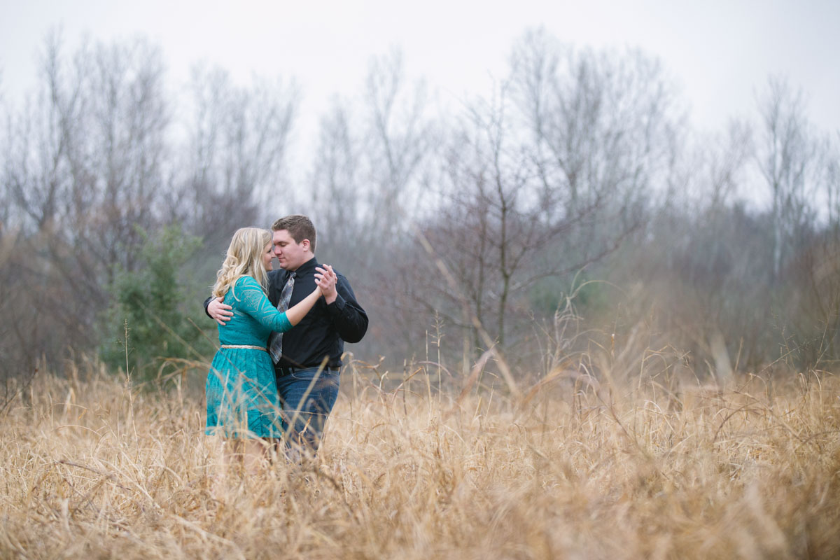 Outdoor Engagement Pictures, Fall