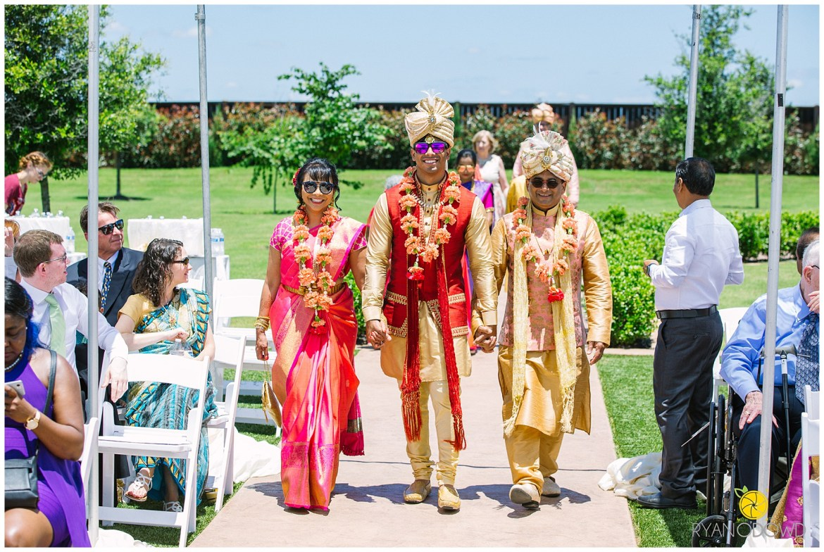 A Traditional Indian Wedding Ceremony_6157.jpg