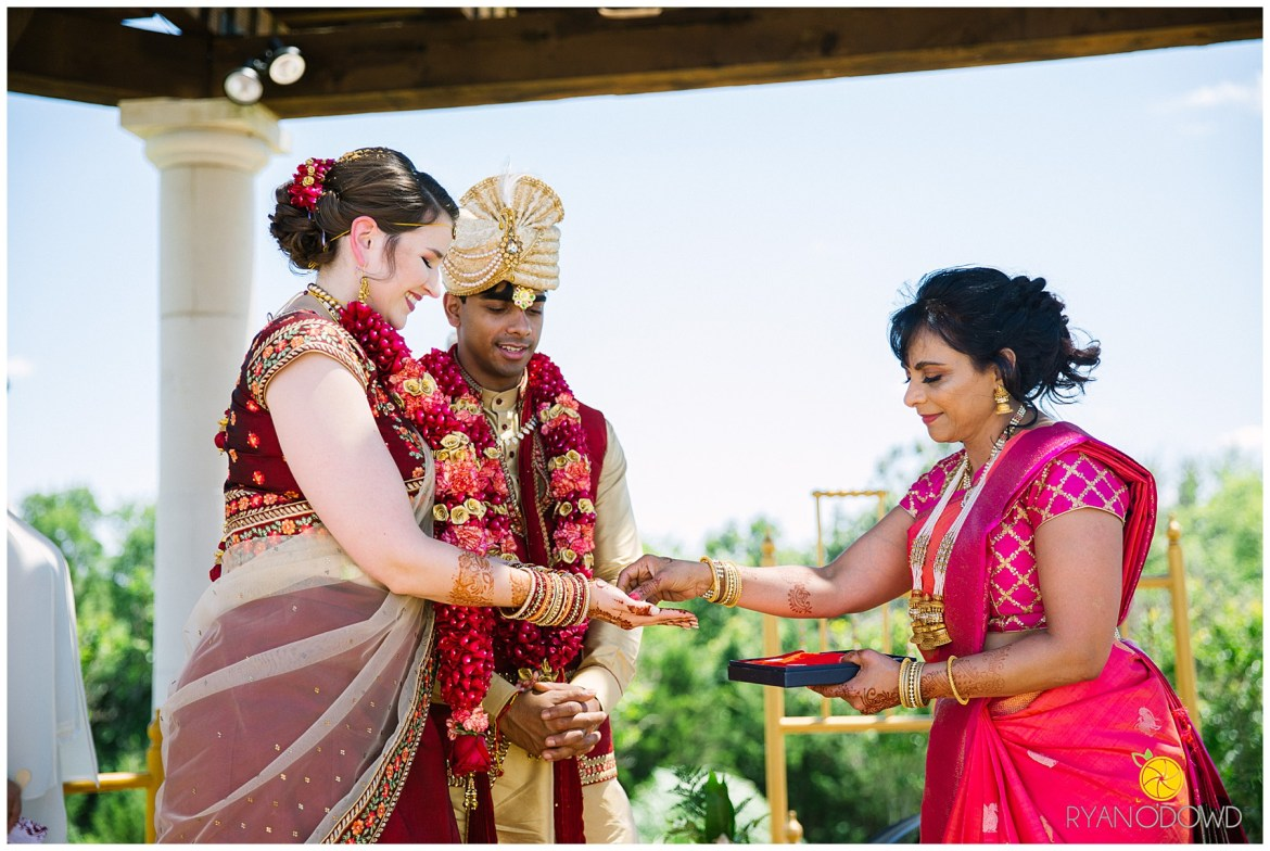 A Traditional Indian Wedding Ceremony_6173.jpg