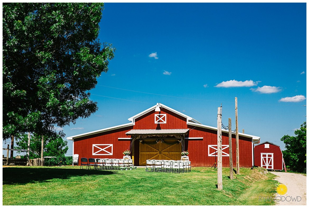 summertime red barn wedding_0736.jpg