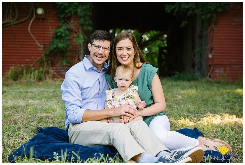 red barn summer family portraits_1460.jpg