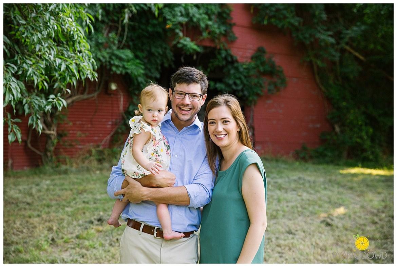red barn summer family portraits_1463.jpg