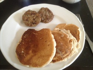 Kari made me breakfast: Wheat pancakes with low-sugar syrup and turkey sausage.