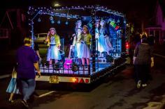 2016 Queens Cowes Illuminated (3)