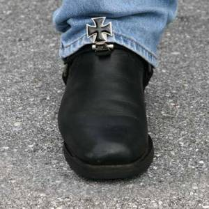 Stirrups boot clips