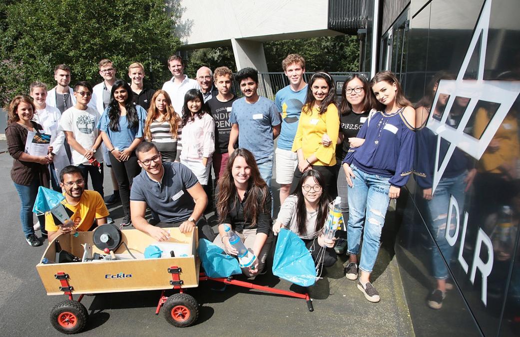 Společná fotka všech účastníků v Brémách