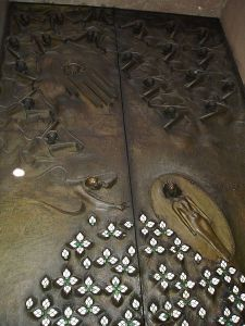 Annunciation (detail of the Door of Hope), 1956-1958, Salzburg Cathedral © Wikimedia Commons