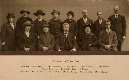 Manchester Guardian cleaners and porters dressed in their Sunday best, 1921. Guardian Archive, GDN/140/2. Reproduced courtesy of Guardian News and Media Ltd.