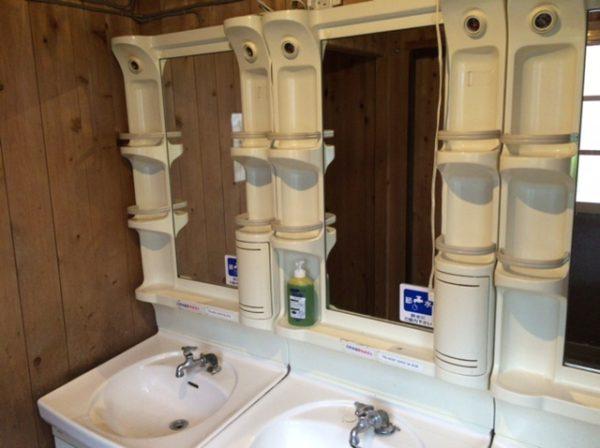 穂高岳山荘トイレの手洗い場