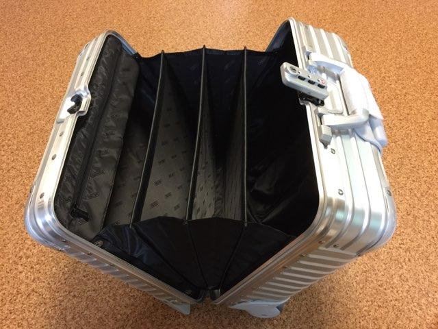 リモワRIMOWAのスーツケーストパーズ機内持ち込みサイズ28lビジネストローリー2