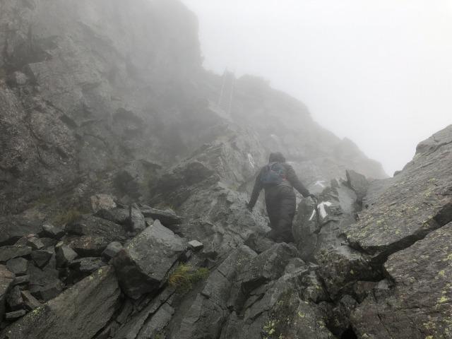 槍ヶ岳山頂アタック01s