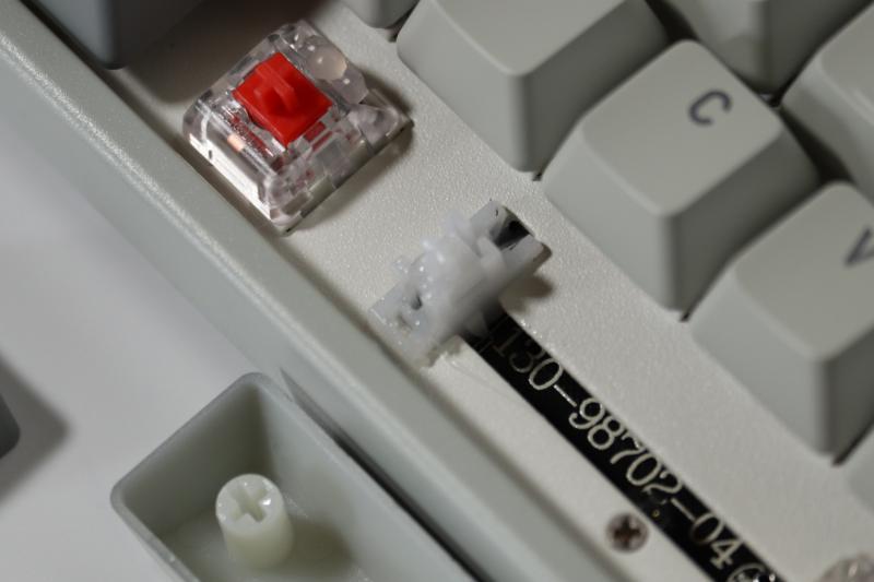 Xtrfy「K4 TKL RGB」スタビライザーへのシリコングリスの注入