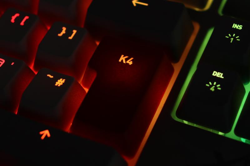 キートップのRGB透過にムラ