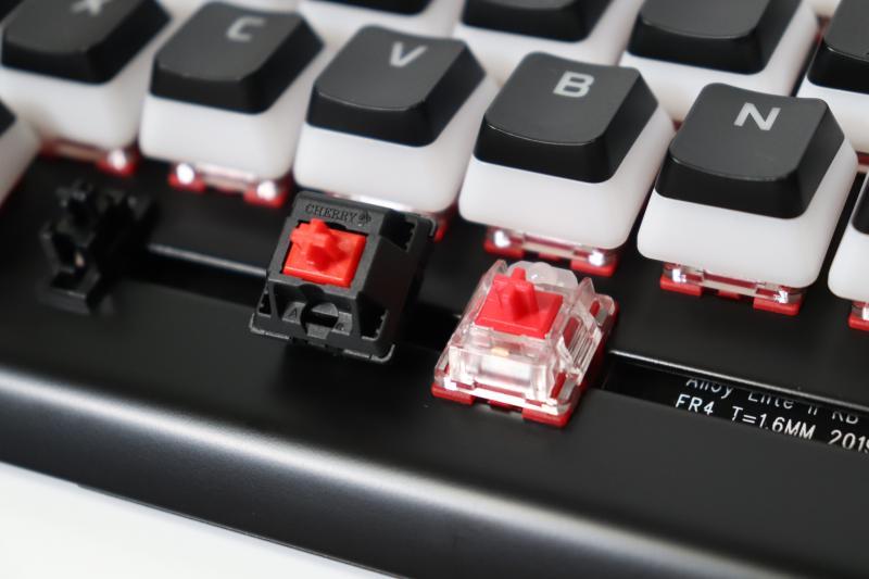 Redスイッチと赤軸の比較