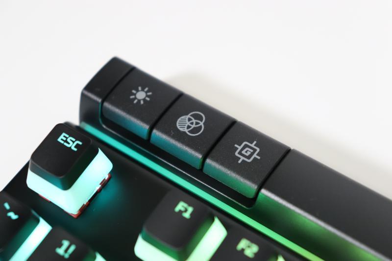 照明光度切替・プロファイル切替・ゲームモード切替ボタン