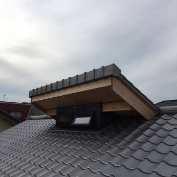 Monitor roof 越屋根