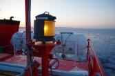 ここは氷に閉ざられた海。誰のための灯か。