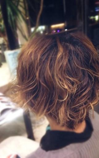 ブリーチした毛にパーマとか、難しいこと。