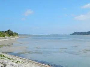 うるま市海中道路からの浜比嘉大橋