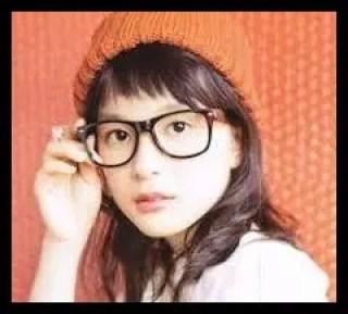 芳根京子,帽子,メガネ,女優