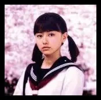 山本舞香,高校時代,モデル,女優