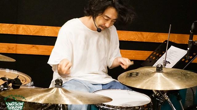 鈴木貴雄のドラムの姿