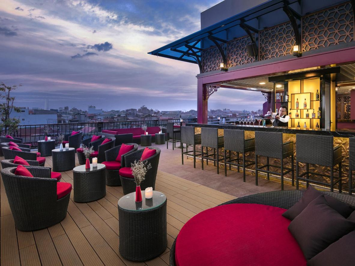 Hotels With Rooftop Bars