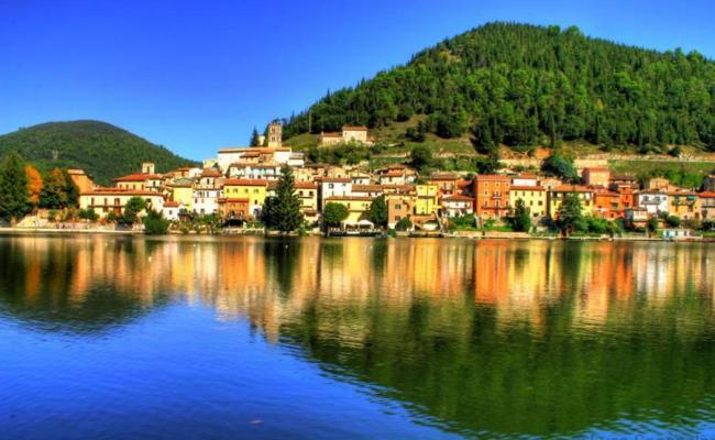 Vacation Home Piediluco La Magia Del Lago Italy