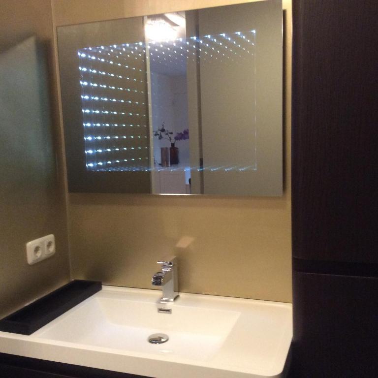 Beach suites luxe  appartement Budget Lemmer Netherlands  Bookingcom
