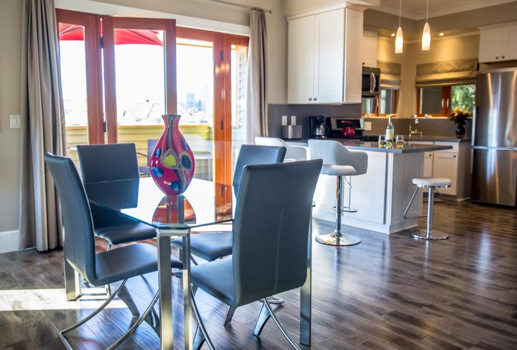 hotels with kitchens in san diego back splash kitchen condo hotel parc suites ca booking com gallery image of this property